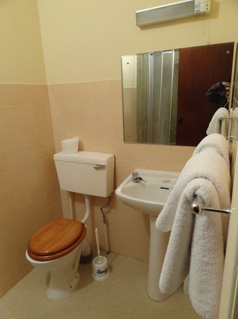 Kempsford House Hotel: Wash
