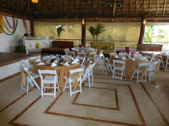 Hidden Beach Resort - Au Naturel Club: Moonlight palapa set for a dinner party