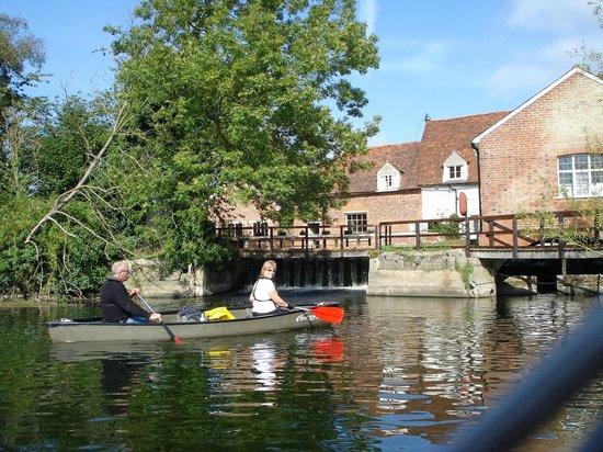 River Stour Boating: Flatford Mill