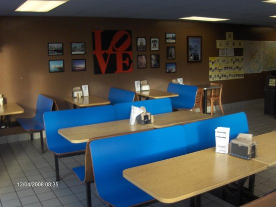 Philly Cheese Steak Shoppe: Arcata Dining Room