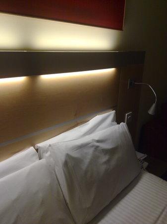 Holiday Inn Express Dunfermline: HI Express Dunfermline - Room view