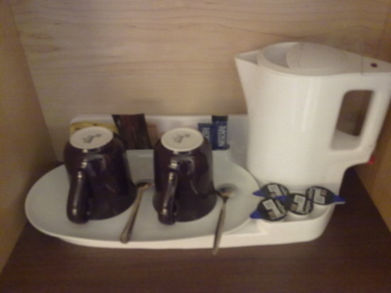 Holiday Inn Express Dunfermline: HI Express Dunfermline - Tea/Coffee Facilities