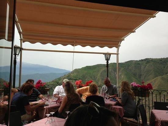 La Taverna dell' Etna: Balcone mozzafiato