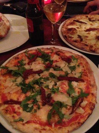 Teta de Monja: pizza