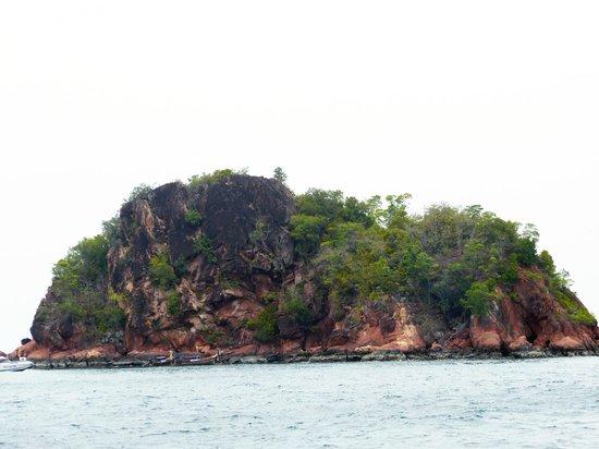 Sofitel Krabi Phokeethra Golf & Spa Resort: Red Island. (Trip avec le bâteau de l'hôtel)