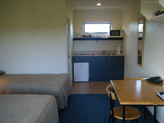 Stadium Motel: Twin Room with Kitchen