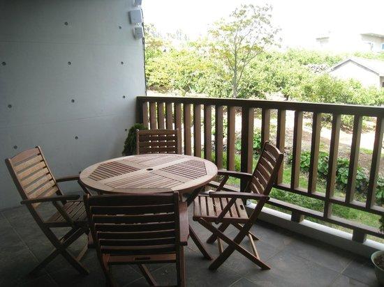 Jejueco Suites: room.balcony.
