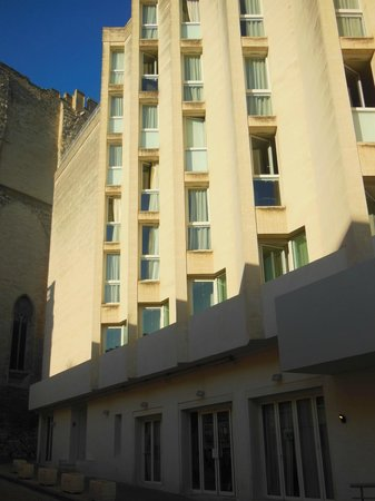 Mercure Avignon Centre Palais des Papes : Room upper left of hotel