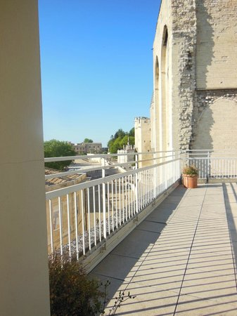 Mercure Avignon Centre Palais des Papes : view from room
