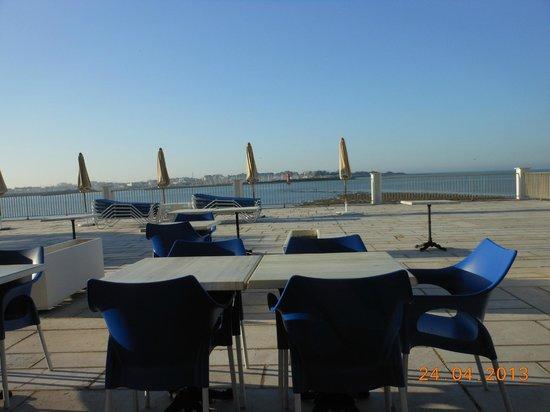 Hotel Les Brises : pour le petit déjeuner vue mer