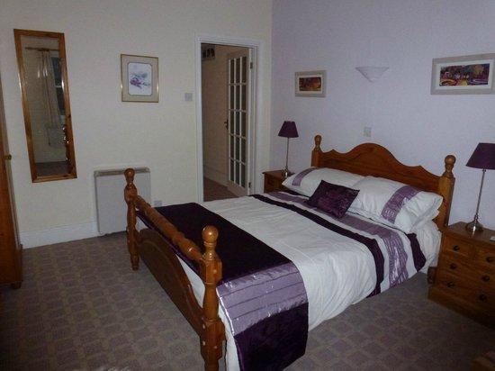 Pitt Farm Holiday Cottages: Bedroom of Cavasson Unit
