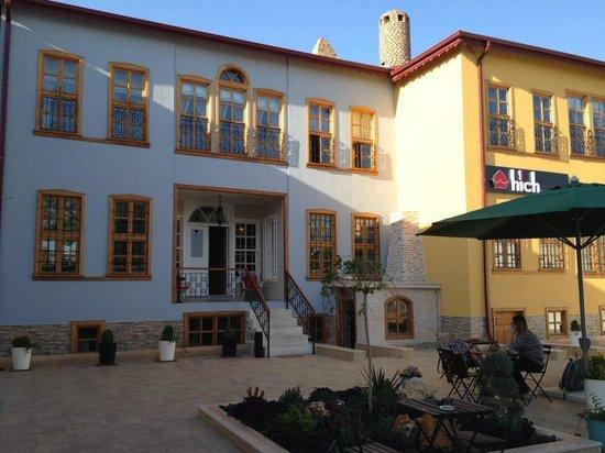 Hich Hotel Konya: Dışardan görünüm