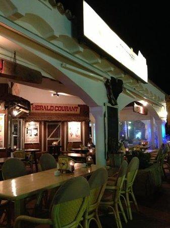 Western Steakhouse : outside