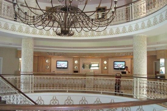 Alba Queen Hotel: de receptie