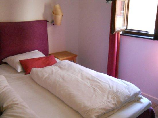 Eden Antwerp: Comfy Bed