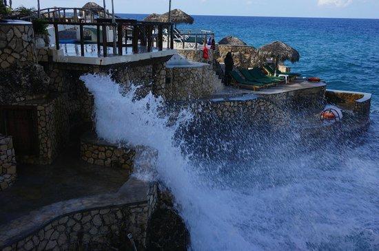 Catcha Falling Star: stormy sea