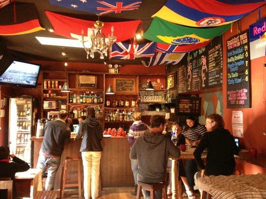 Kokopelli Hostel Cusco: Comedor de dia y Bar de noche
