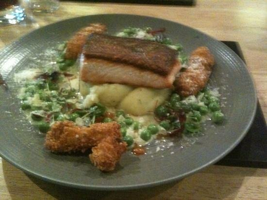 Vanilla Restaurant: salmon with scampi fritters- absolutely delicious
