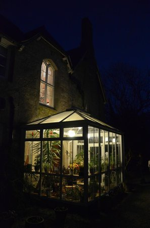 The Old Vicarage: De nuit...