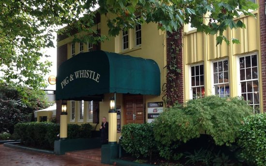 Pig and Whistle Historic Pub : Just outside the Pig and Whistle