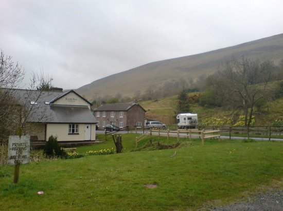 The Dragons Back & Bunkhouse: From the Car Park