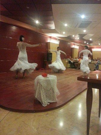 Delfin Siesta Mar: soirée dansante
