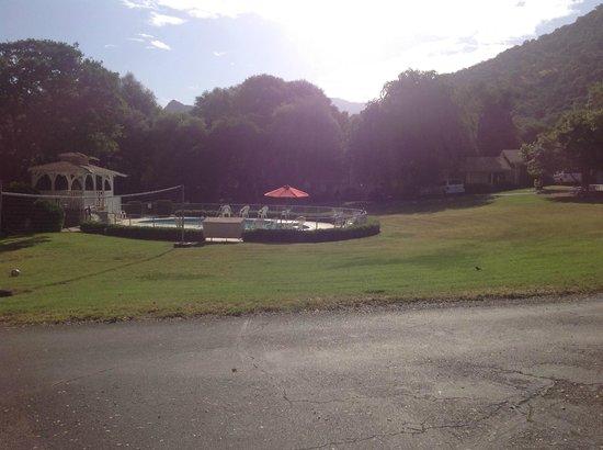 Lazy J Ranch-Americas Best Value Inn : nice size pool
