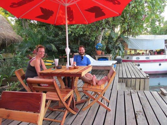 Hotel Kangaroo: Riverfront jetty