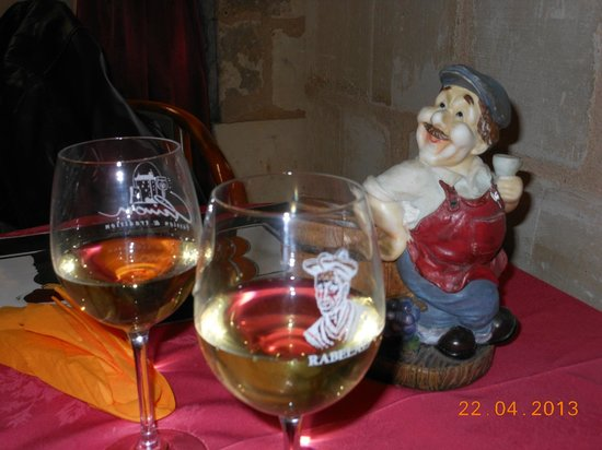 Le Musee anime du Vin et de la Tonnellerie : Un compagnon de table