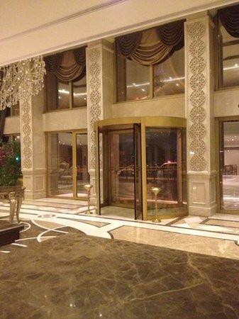 Grand Hotel Halic: Başlık ekle
