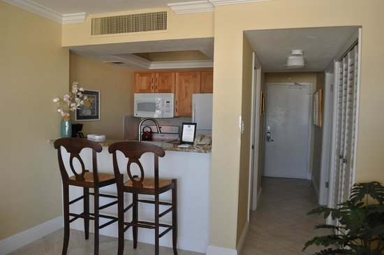 The Palm Bay Club: Kitchen in unit 118