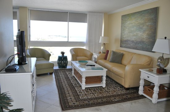 The Palm Bay Club: Living room in unit 118