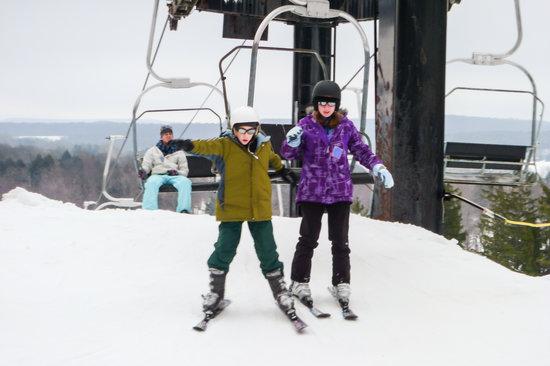 Peek'n Peak Ski Area: Getting Off Beginer's Lift