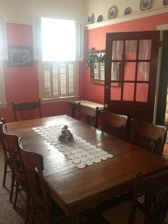 Reiff House Bed & Breakfast: Dining room area