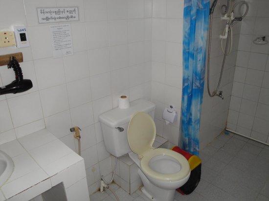 Royal Sittwe Resort : Bathroom #206