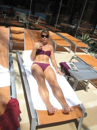 Elara by Hilton Grand Vacations: Lots of sun, some shade.
