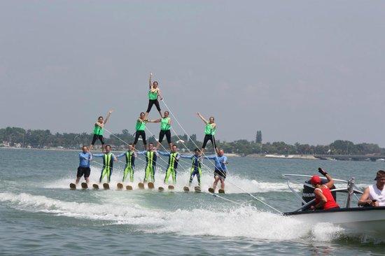 Sarasota Ski-A-Rees Water Ski Show : Pyramid