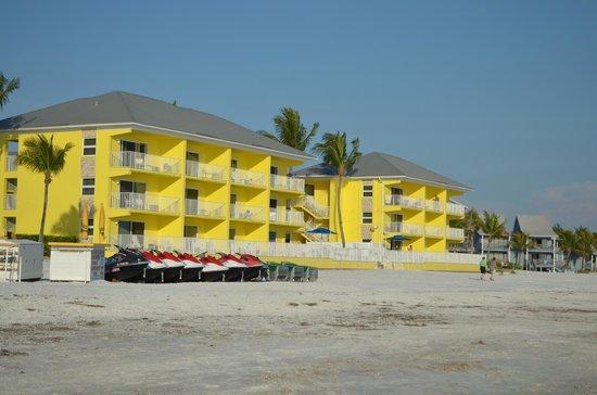 Sandpiper Gulf Resort : Love the bright vibrant color of the building.