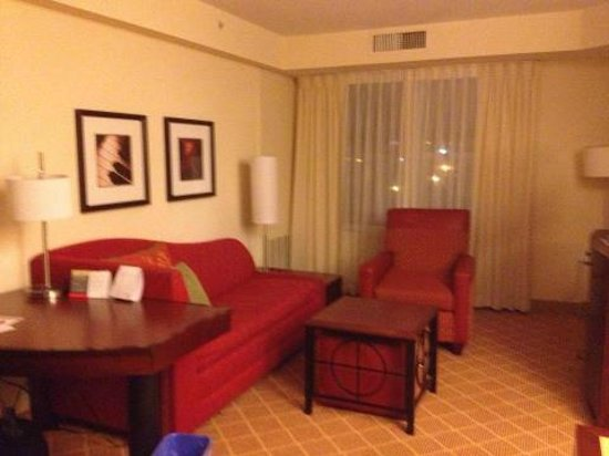 Residence Inn by Marriott Moncton: Livingroom area