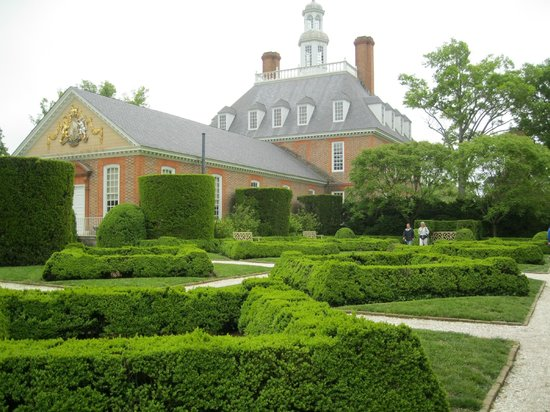 Colonial Williamsburg: Gardens At The Back Of The Governoru0027s Palace