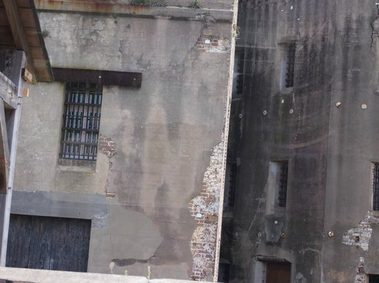 Gullah Tours: The old jail , for white prisoners