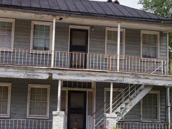 Gullah Tours: The house the sits in front of Mr Philip Simmons's home and workshop