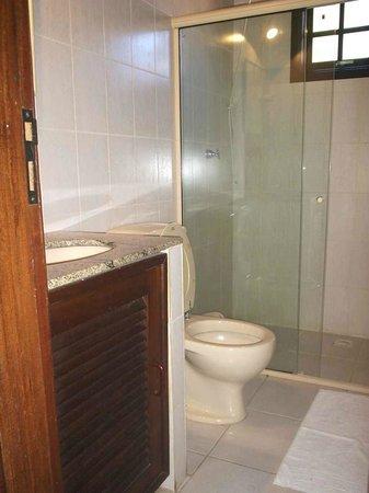Pousada Calmaria: Banheiro individual