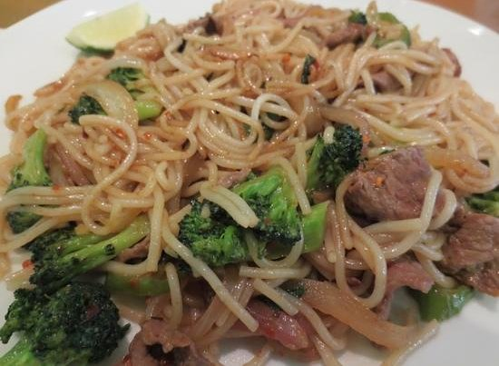 Crazy Noodles: Spicy basil noodles with steak