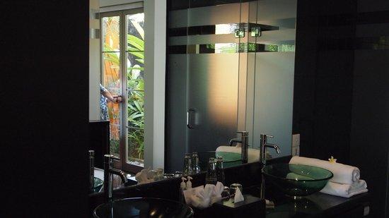 Sun Island Boutique Villas & Spa: Bathroom