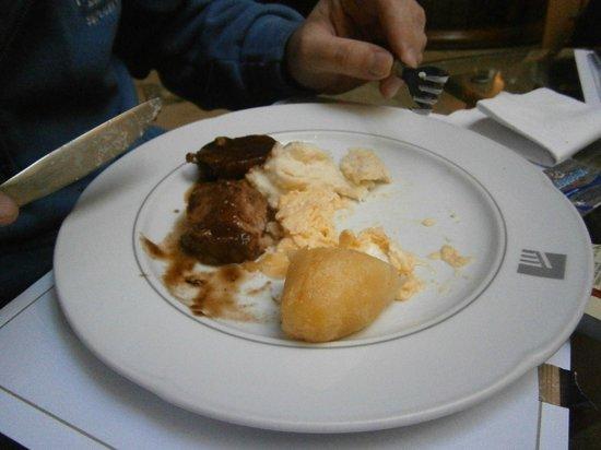 Akros Hotel: parte del desayuno....