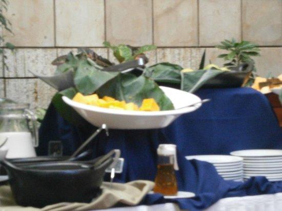 Akros Hotel: frutas para el desayuno
