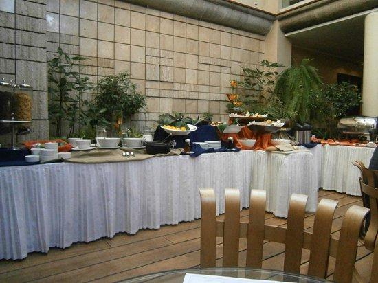 Akros Hotel: desayuno....
