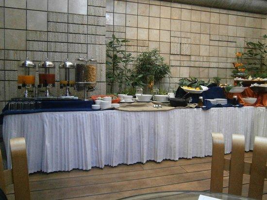 Akros Hotel: Sector de desayuno....