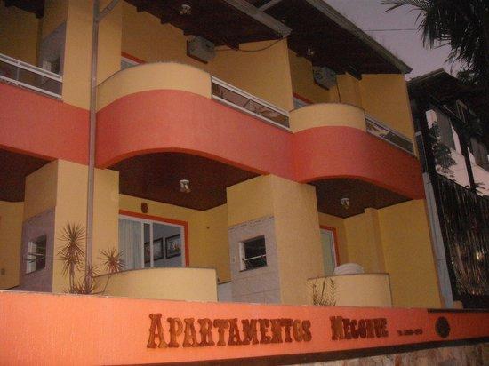 Residencial Mecohue Em Bombinhas: Vista de los Departamentos